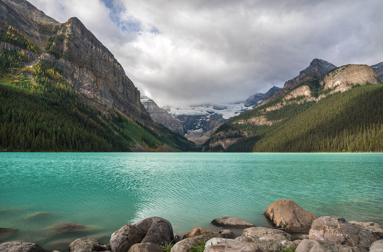 Lake Louise Plain of Six Glaciers Day Hike in Banff National Park